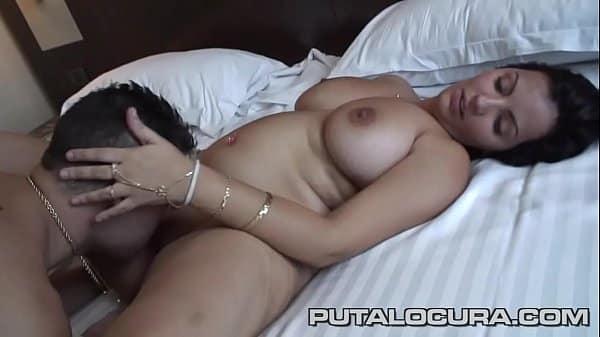 La vecina tetona y su novio se apuntan al porno