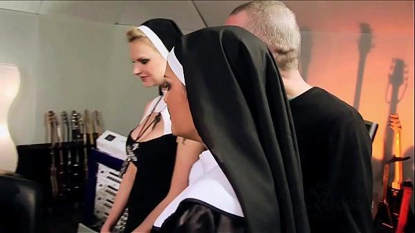 Perverted orgy with catholic nuns – Vatikan Hardcore