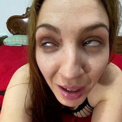 Un juego donde jesussanchezx lo disfruta mientras tiene a pamela en sumisión se pone tan cachondo que termina en la boca de esta preciosa chica
